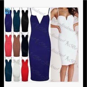 Dresses & Skirts - Beautiful plunge v neck bodycon,